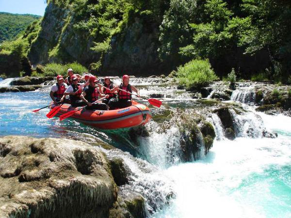 Grand Canyon Rafting Tour >> Rafting on Tara river